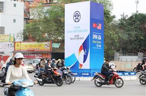 Foreign tourists impressed with Hanoi, the city for peace.