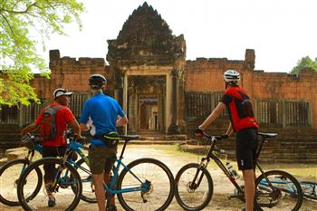 ANGKOR WAT BICYCLING TOUR