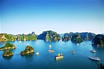 HA LONG BAY CRUISE - A UNESCO WORLD HERITAGE SITE.