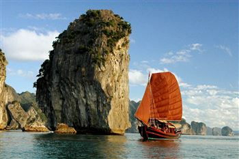 LAMOUR PRIVATE BAI TU LONG BAY CRUISE - OFF THE BEATEN TRACK.