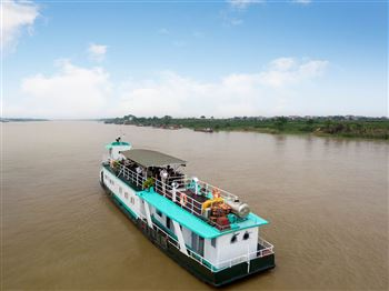 A DAY ON THE RED RIVER CRUISE