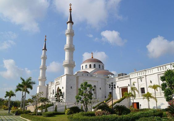 Al-Serkal Mosque is the biggest Mosque in Cambodia