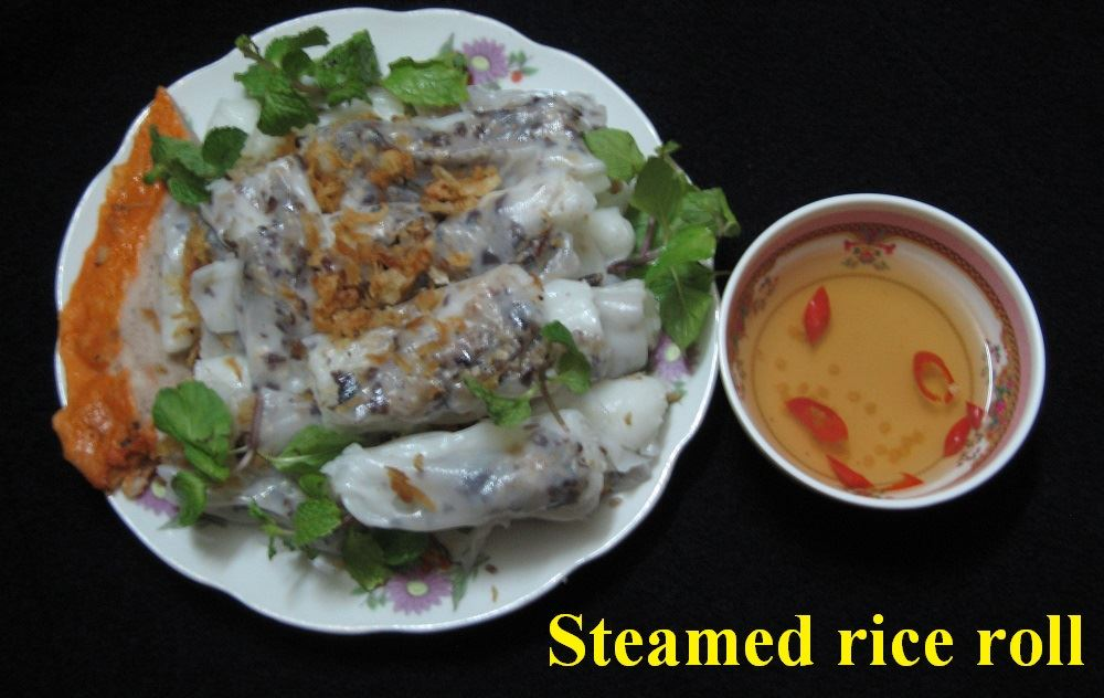 banh cuon - steaned rice rolls